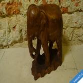 SLON MASIVNÍ DŘEVĚNÝ KRÁSNÝ KUS 26 x 23 cm